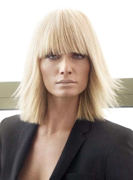 Amber Valletta Medium Hairstyles picture